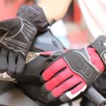 găng tay xe máy đi mưa